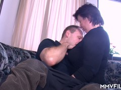 Amateur Couple Couch, girls Fucking, german Porn, naked Housewife, hubby, Blindfolded, Perfect Body